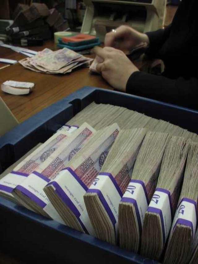 200 tysięcy zł dla najzdolniejszych studentów - full image