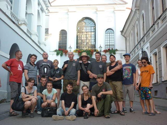 Wilno - Ostra Brama, członkowie Bractwa Rycerskiego Komturii Nidzickiej - full image