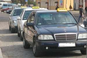 Zniszczył taksówkę, bo nie podobała mu się cena za kurs