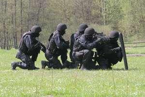 Wracamy do tematu. Panika po symulowanym ataku terrorystów w barczewskiej szkole