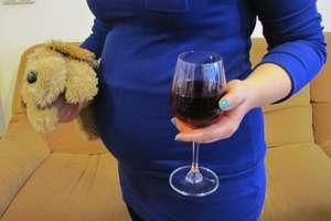 Narkotyki, niechciane ciąże, alkohol. Wakacje w pełnej krasie