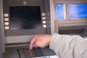 Ukradł kartę do bankomatu, aby mieć pieniądze na alkohol