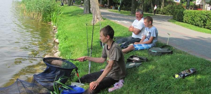 Zawody Wędkarskiej Ligi ITW nad Małym Jeziorakiem