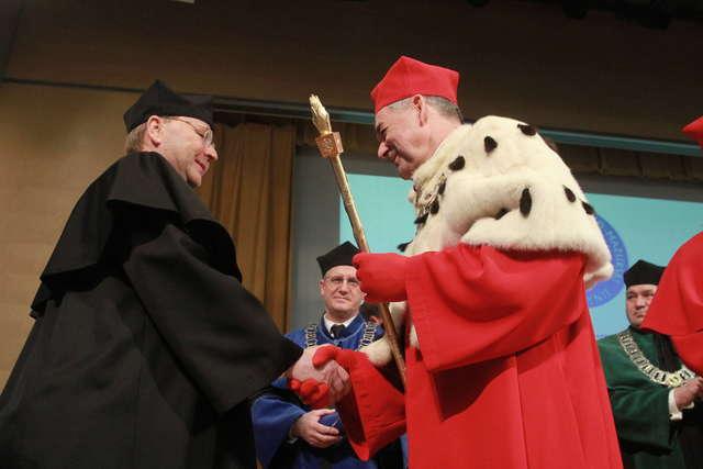 Niemiecki profesor z tytułem doktora honoris causa UWM - full image