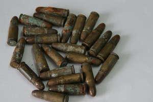 Mieszkaniec Gołdapi bez zezwolenia trzymał w domu amunicję