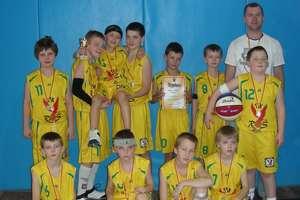 Koszykarze z TSK Roś przywieźli kolejny medal!