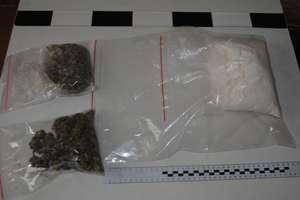 Policja zabezpieczyła prawie kilogram narkotyków