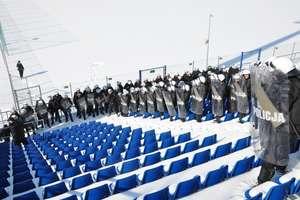 Wielkie manewry policji w Ostródzie. Ćwiczenia przy -15°C