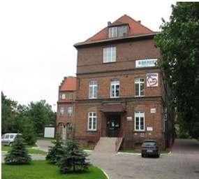 Zabytkowy budynek szpitala przy ul. Związku Jaszczurczego w Elblągu