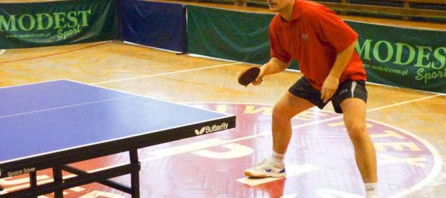 Czy Jacek Baczewski sięgnie po zwycięstwo w V Powiatowym Turnieju Pracowników Służb Mundurowych w tenisie stołowym?