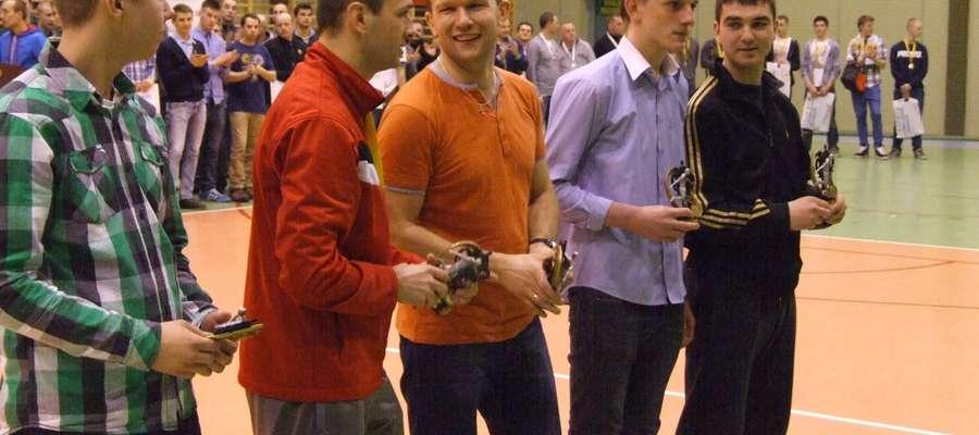 Dream Team Ligi Halowej: Sebastian Chabowski, Robert Sobotka, Leszek Pepłowski, Bartek Szczypiński, Mateusz Kosiński