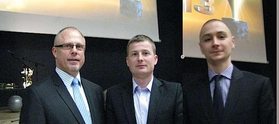Od lewej: marszałek Jacek Protas, Rafał Ziółkowski i Jakub Gręda