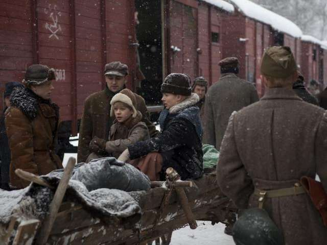 "Kadr z filmu ""Syberiada Polska"" - full image"