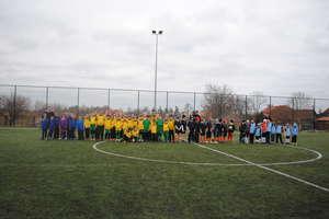 Młodzi piłkarze walczyli na Orliku w Dźwierzutach