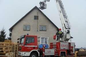 W Lubajnach zapalił się dach budynku mieszkalnego