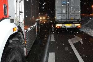 Tragiczny wypadek na DK7. Tir przejechał mężczyznę