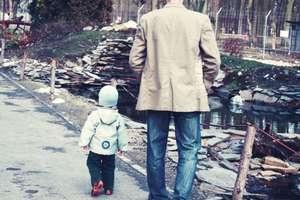 Ojciec ciągle musi walczyć o prawo do widywania się z synkiem