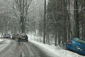Szklanka na drogach. Zima zaczyna powoli odpuszczać