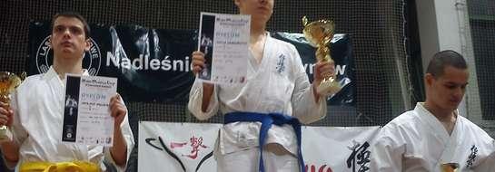 Kamil Grzegorczyk po pasjonującym finale stanął na najwyższym stopniu podium III Mazowia Cup w Józefowie