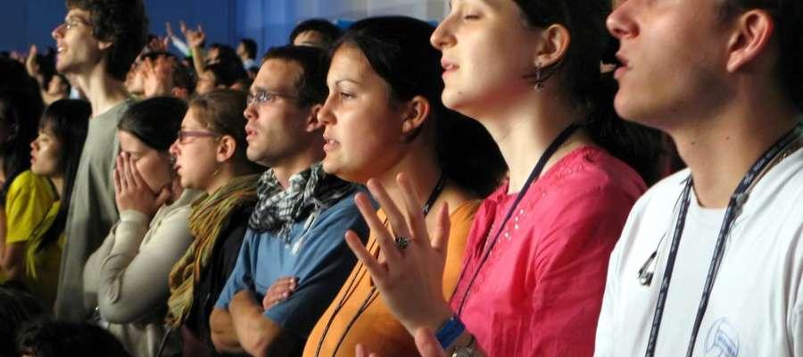 Kościół w Polsce stoi przed ważnym wyzwaniem. Jest nim odnalezienie wspólnego języka z młodymi