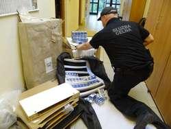Papierosy były ukryte w paczkach, które miały trafić do Anglii