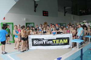 Otwarte Mistrzostwa w pływaniu. Rywalizowali w wodzie