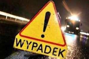 Policjanci wyjaśniają okoliczności wypadku drogowego w Krzywym