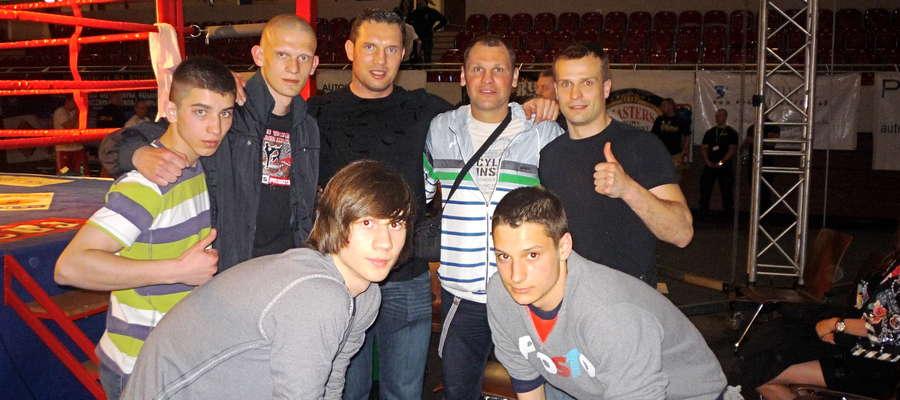 Piotr Kozłowski, Damian Chyliński, Albert Sosnowski (bokser), Michał Dembler i Sebastian Prokop, niżej od lewej: Patryk Rzymek i Łukasz Langa