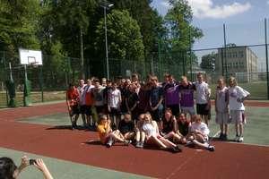 Streetball w Gimnazjum nr 2 w ramach Obchodów Europejskiego Tygodnia Sportu
