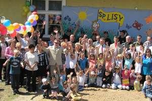 Otwarcie placu zabaw przy szkole w Lisach