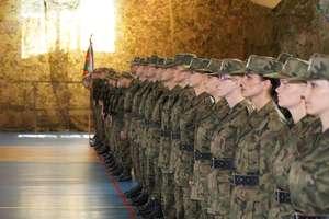 Służby mundurowe. 10 chętnych na jedno miejsce