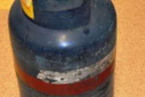 Wybuch butli z gazem, 46- latek trafił do szpitala