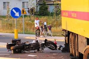 Ciężarówka zderzyła się z motocyklem. Ranna kobieta i dziecko