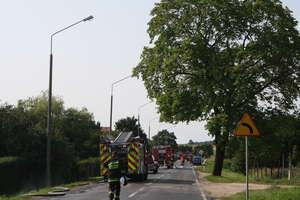 Straż walczy z pożarem rozdzielni gazu