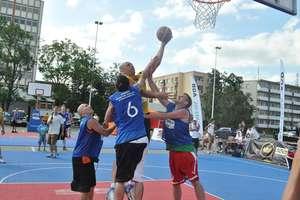 Streetball na Placu Solidarności w Olsztynie