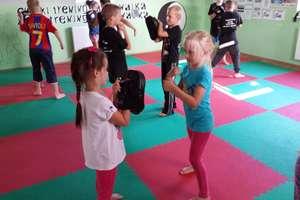 Spędź kilka dni wakacji trenując kickboxing!