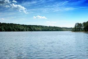 Nielegalna rekreacja na jeziorze Gołdap