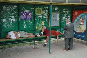 Pijani na ulicach Olsztyna. Najgorzej na Jarotach i Pieczewie