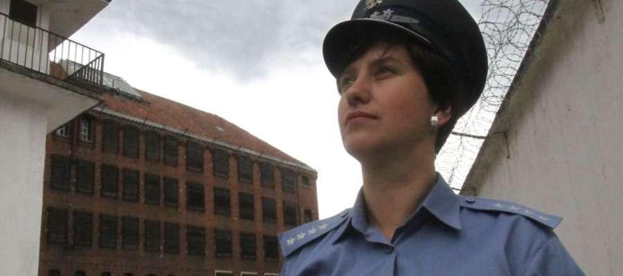 Kapitan Marta Klimas, oficer prasowy Aresztu Śledczego w Olsztynie: - Więźniowie zdemolowali cele i wyszli na dach