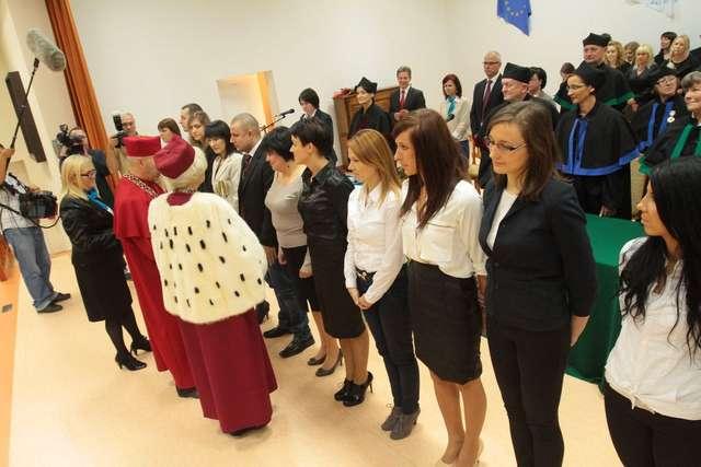 Inauguracja roku w Wyższej Szkole Informatyki i Ekonomii TWP - full image
