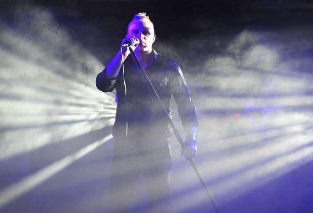Muzyka, teatr i gra świateł... Piotr Rogucki w olsztyńskim amfiteatrze!  - full image