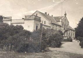 Zespół dworsko-folwarczny z XIX wieku w Popowej Woli