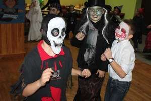 Halloween'owa zabawa w Targowisku