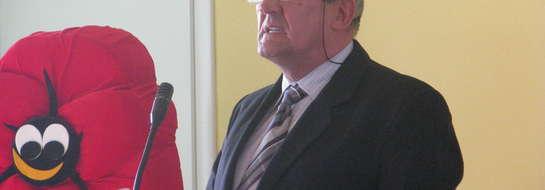 Jan Kubaszewski (na zdjęciu - podczas sesji rady miejskiej) przekonuje, że strefa ciszy na zalewie to dobre rozwiązanie