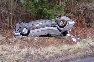 Śmiertelny wypadek pod Iławą. Auto potrąciło kobietę wzywającą pomoc