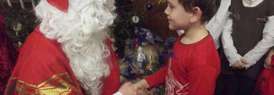 Dzieci cieszyły się na widok Mikołaja