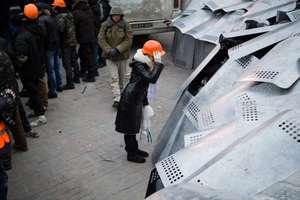 Enej śpiewa dla protestujących na Majdanie. Posłuchaj!