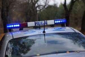 Ślady rozlanego wina doprowadziły policję do włamywaczy