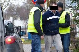 Pijany chciał rozjechać policjanta.Trafił do aresztu!