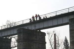 Groził, że skoczy z mostu nad Łyną